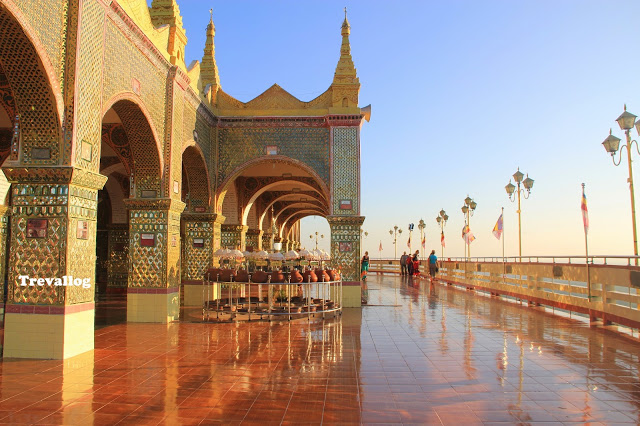 Mandalay Sightseeing: Maha Muni, Royal Palace, Golden Palace Monastery, Largest Book, Mandalay Hill