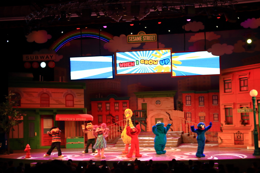 Sesame Street Show (When I Grow Up) at Universal Studios Singapore