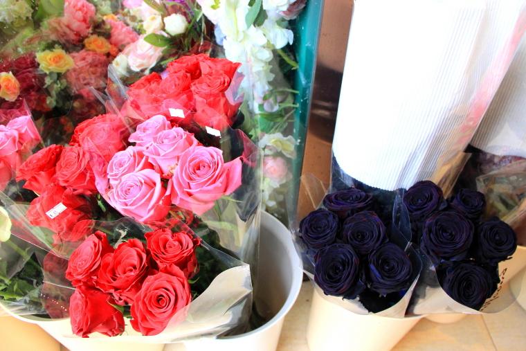 Pink and back roses, Flower Market, Hong Kong