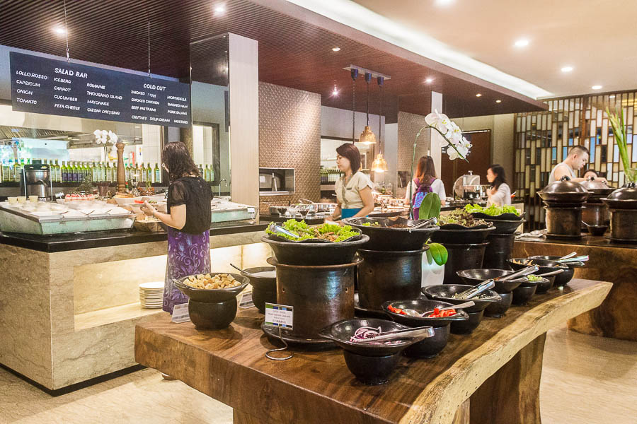 Momo Cafe, buffet, Courtyard Marriott Nusa Dua Bali