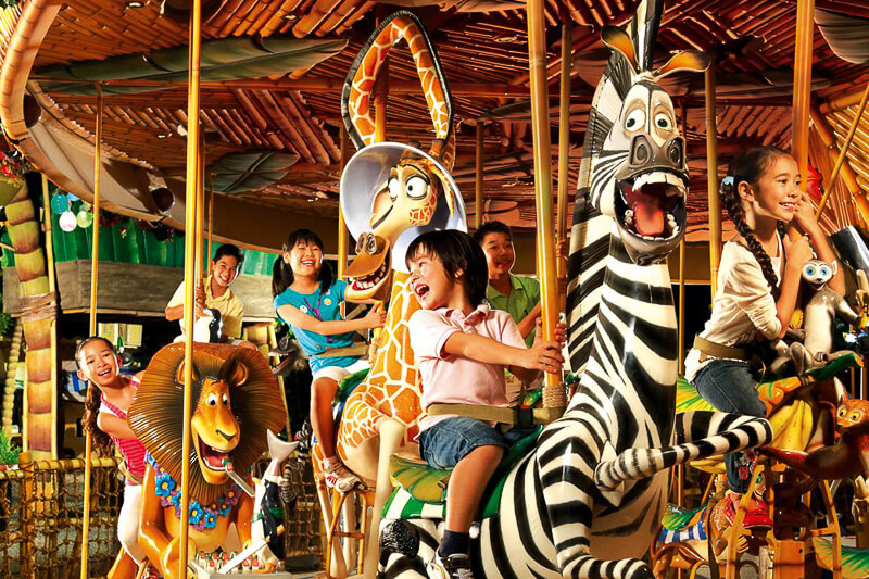 USS ride at Madagascar - King Julien Carousel