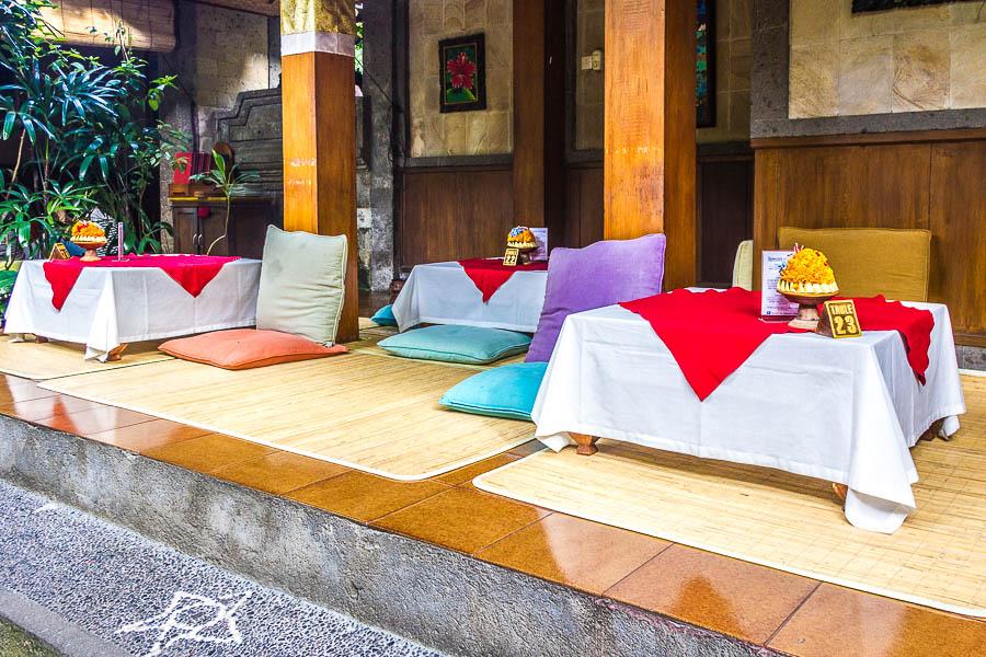 Cafe Wayan Lesehan Seat