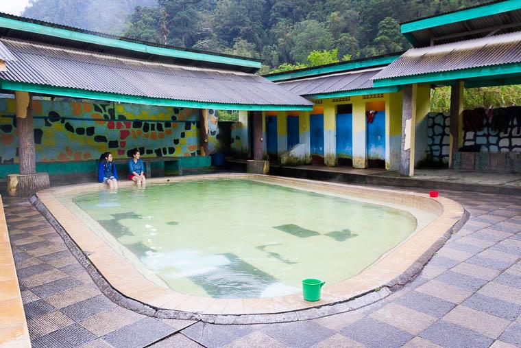 Pemandian air panas Sidebuk-debuk, Berastagi, North Sumatera