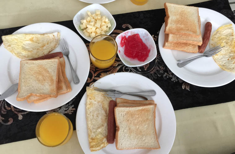 noomoo maldives breakfast, hulhumale hotel