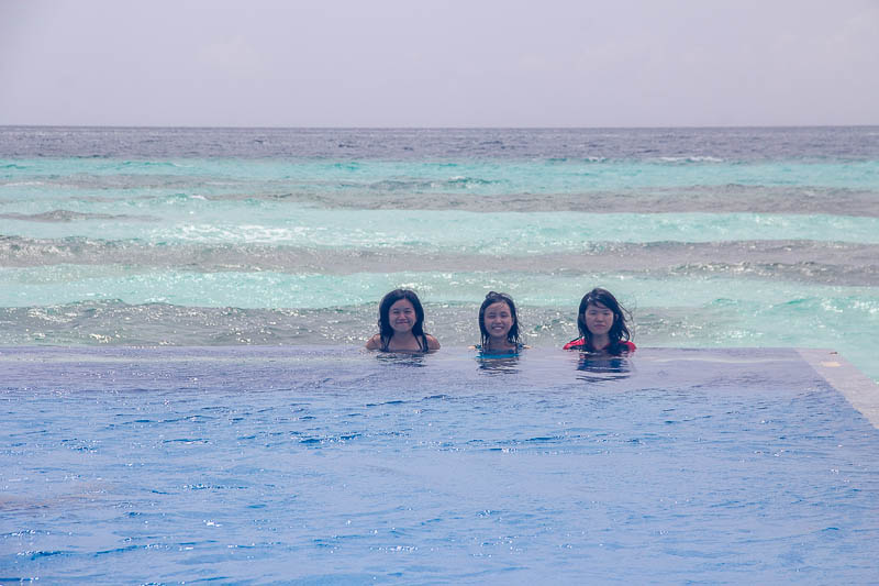 Olhuveli Beach & Spa Resort Maldives - Infinity Pool