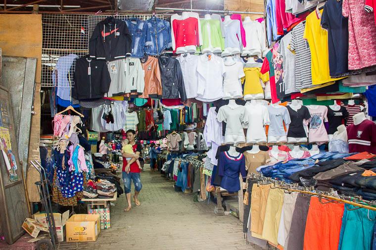Luang Prabang Phosi Market - clothing