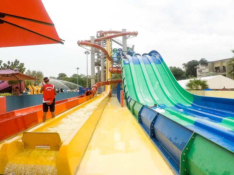 Wild Wild Wet Waterpark Singapore - Free Fall, Vortex, Kraken Racers