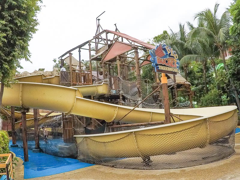Adventure Cove Waterpark Singapore - Big Bucket Treehouse, slides for kids