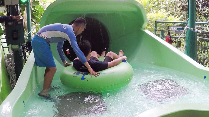 Adventure Cove Waterpark Singapore - Pipeline Plunge and Tidal Twister