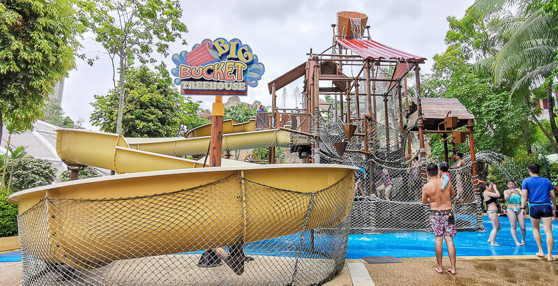 Adventure Cove - Big Bucket Treehouse (1)