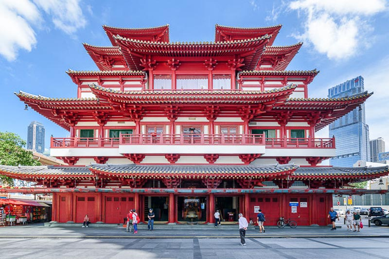 Weekend Itinerary for Budget Travellers in Singapore - Buddha Tooth Relic Temple in Chinatown