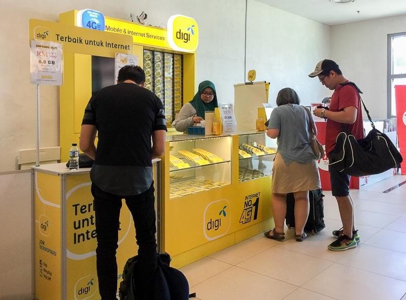 Penang International Airport: Digi