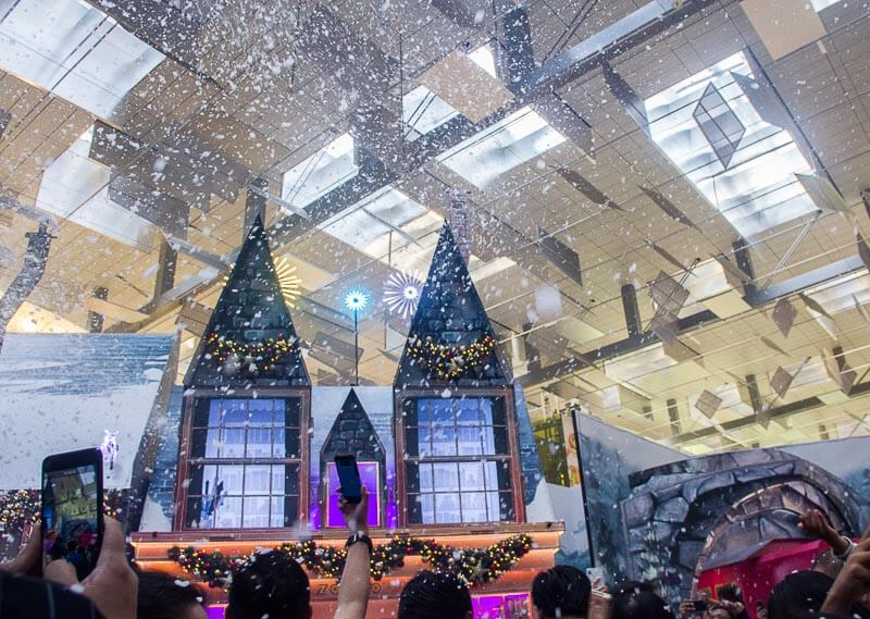 Christmas decoration and lights up in Singapore 2018 - Wizarding World Harry Potter Changi Airport