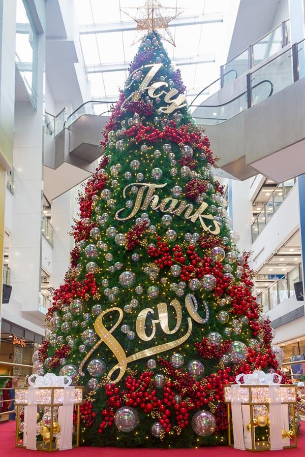 Christmas decoration and lights up in Singapore 2018 - The Central Clarke Quay