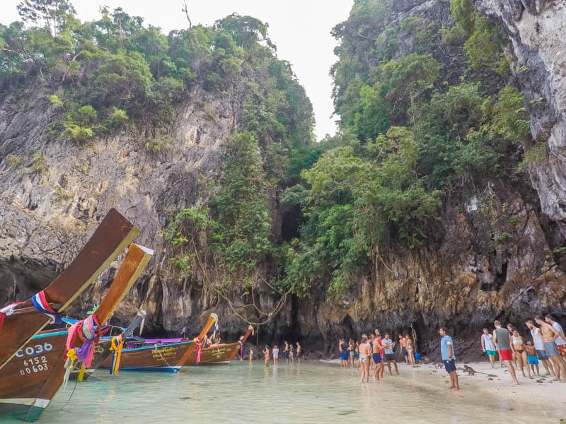 Crowded Monkey Beach - Phi Phi Le - phi phi island snorkelling tour