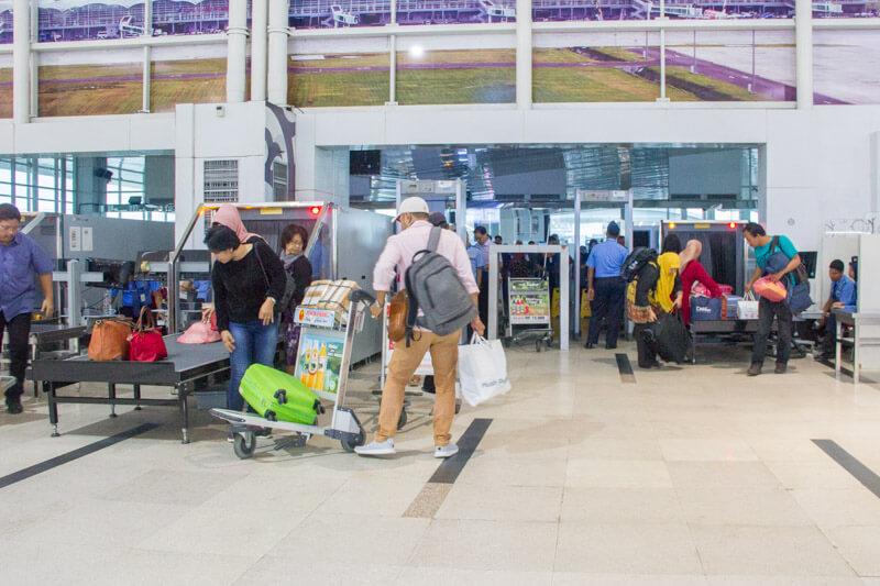 Kualanamu Medan Airport - Entrance Gate Scan