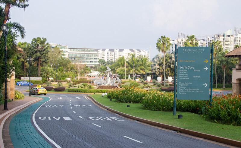 Sentosa Cove roundabout