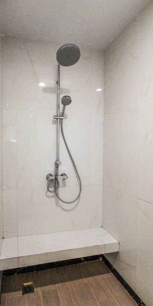 Adimulia Hotel Medan Review - Bathroom