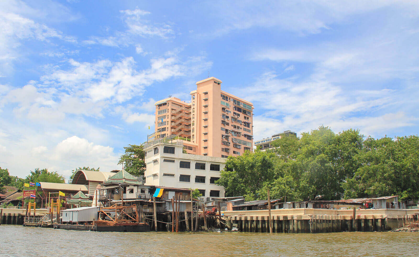 How to Get Around Bangkok by River Boat and Ferry (Local & Tourist Ways)