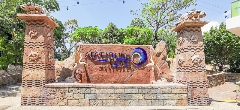 Adventure Cove - Entrance