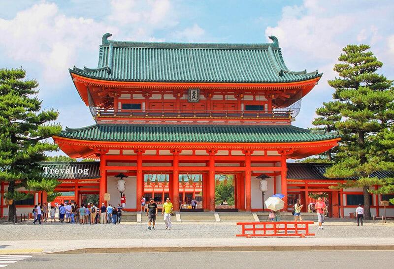 Entrance of Heian Shrine