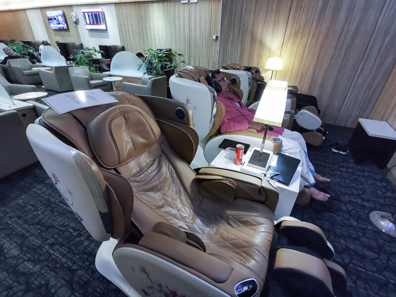 SATS Premier Lounge at Terminal 1 Changi Airport Singapore - OSIM Massage Chairs