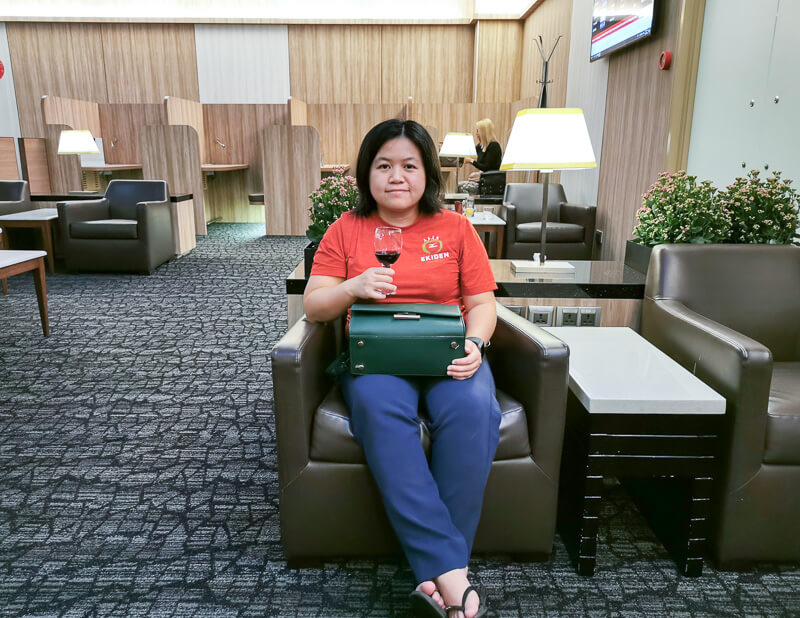 SATS Premier Lounge at Terminal 1 Changi Airport Singapore - low chair for relax
