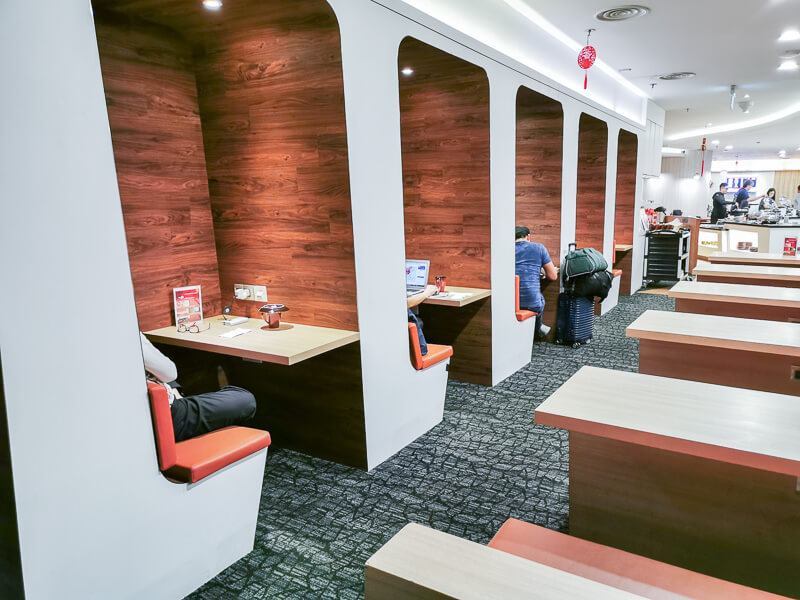 SATS Premier Lounge at Terminal 1 Changi Airport Singapore - enclosed cubicles for working