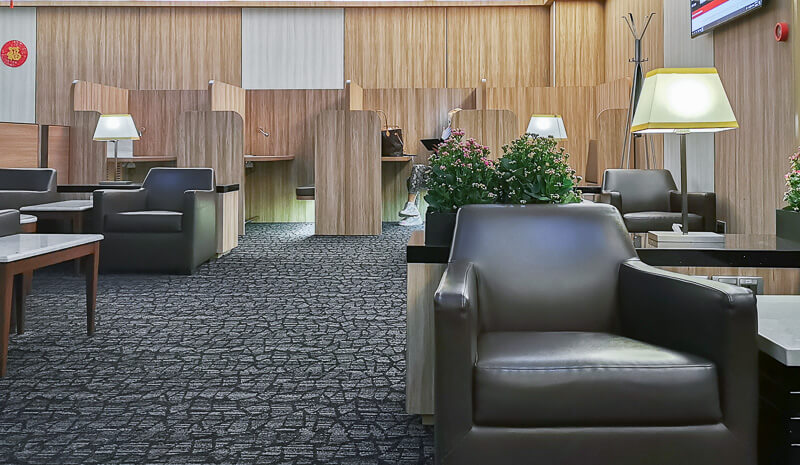 SATS Premier Lounge at Terminal 1 Changi Airport Singapore - open cubicles for working