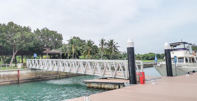Seringat Island Singapore - pier