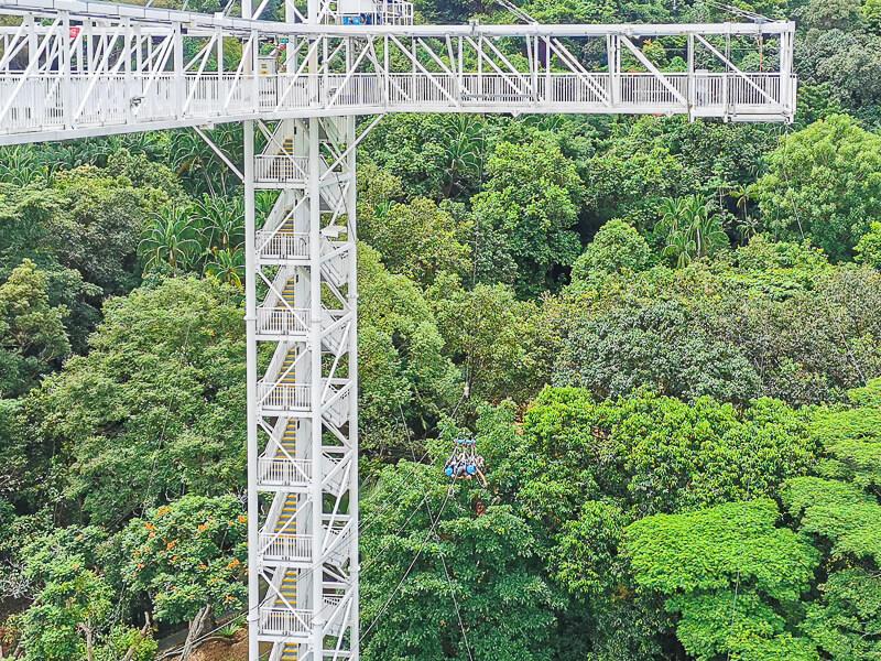 AJ Hackett Skybridge Sentosa Singapore - Giant Swing