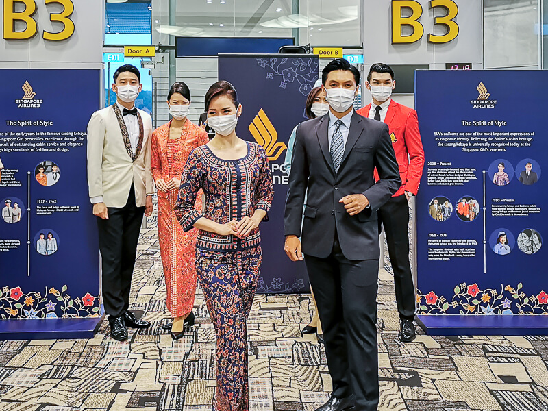 Singapore Airlines Present Uniform