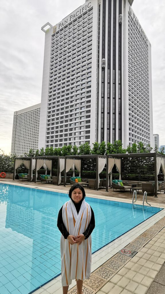 Conrad Centennial Singapore Review - Morning Pool