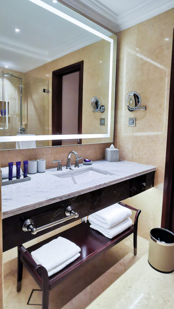 Fullerton Hotel Singapore Staycation Review - Premier Courtyard - Bathroom