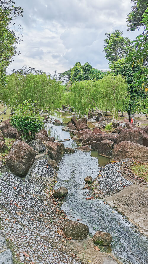 Kong Meng San Phor Kark See Singapore - Dragon Pond